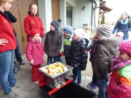 2014_KG_12_Saft pressen bei Familie Steinmann